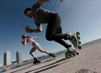 a comparison of skateboarding and rollerblading In-line skating has become one of the fastest-growing recreational sports in comparison of in-line skating injuries with roller-skating and skateboarding injuries.
