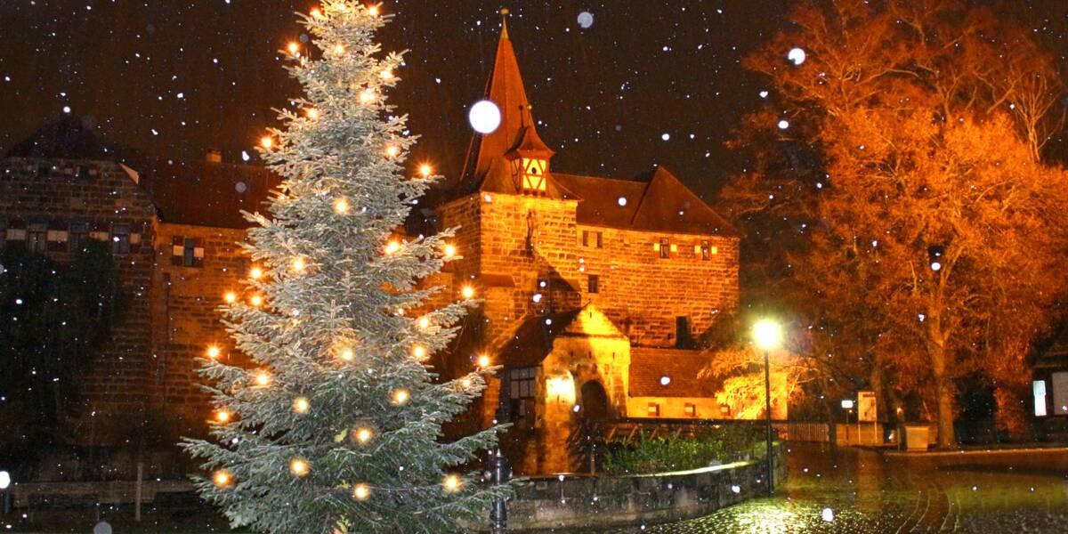 Start Weihnachtsmarkt.Annual Weihnachtsmarkt Run Start In Schönbrunn Or Karlsplatz