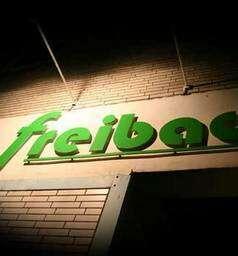 Freibad -- Bar, Lounge, Restaurant