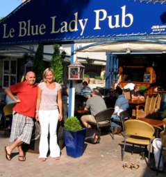 Le Blue Lady Pub