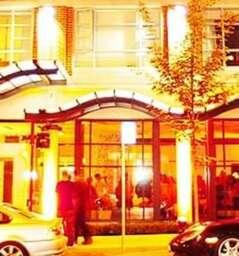 Opus Hotel Lounge