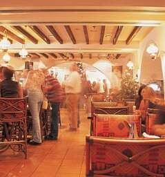 Hemingway's @ Hilton Corniche