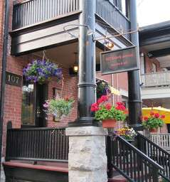 107 Fourth Ave WIne Bar