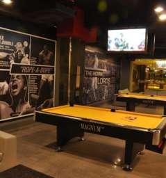 Underdoggs Sports Bar and Grill - Gurgaon