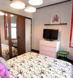 Stylish 2 Bedroom Apartment #5709