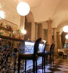 Damare Bar and Restaurant