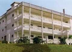 Pollet, Hotel Le
