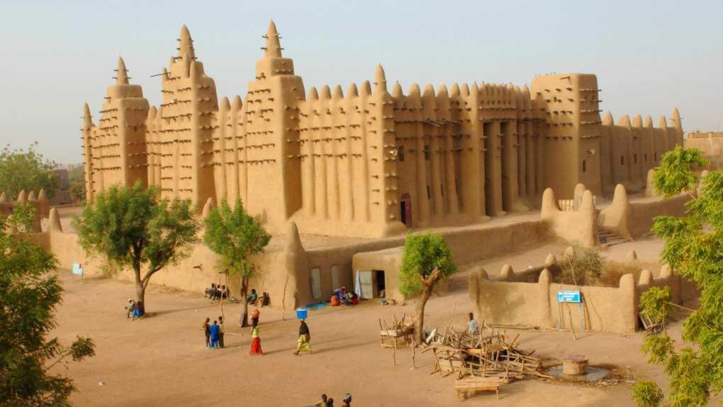 Dating femeie in Bamako)