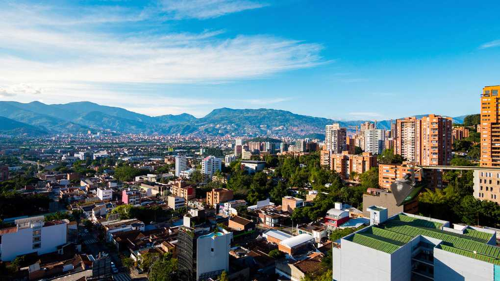 Meet Canadians In Medellin Get Tips From Fellow Canadians
